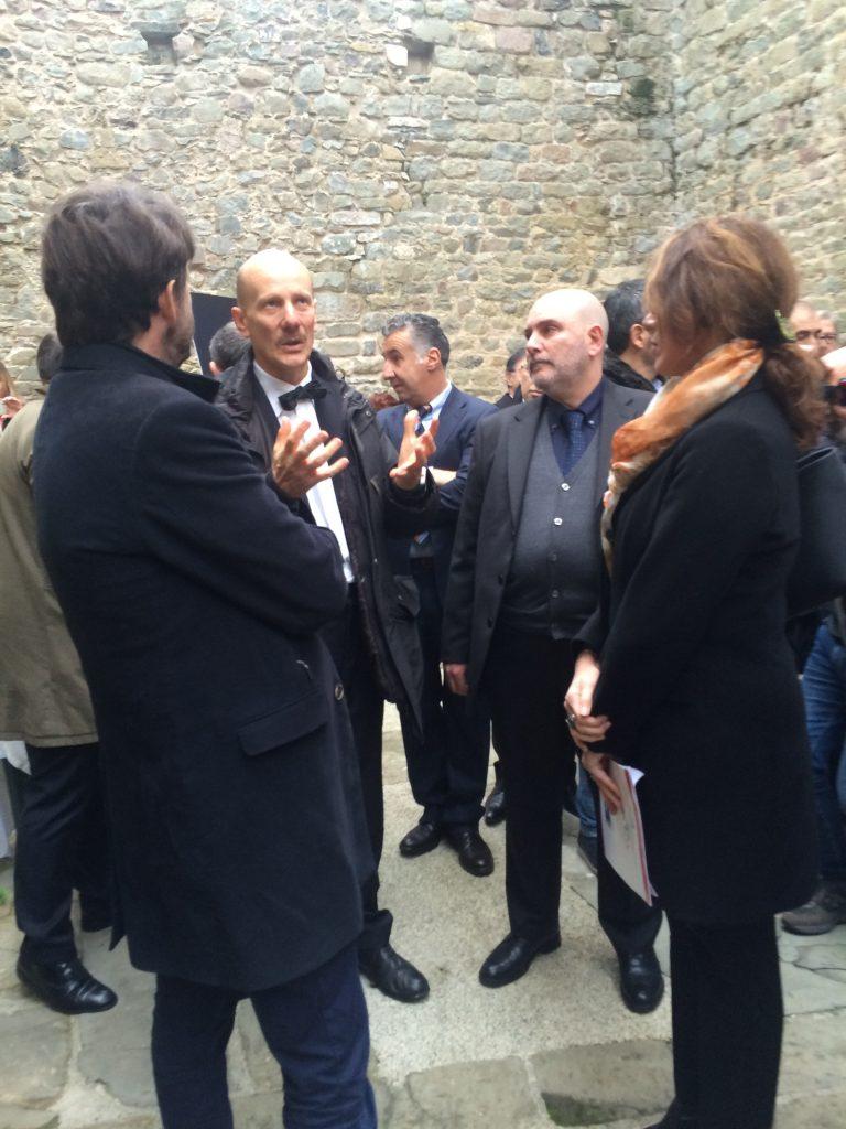 Il ministro Dario Franceschini con Mauro Moriconi della Soprintendenza al castello di Madrignano durante l'inaugurazione del 28 novembre